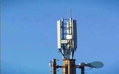 لجنة الدفاع عن خدمات الاتصالات تدين استهداف قطاع الاتصالات