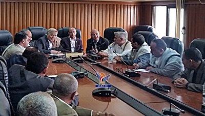 مناقشة مشاريع الطرق في محافظة إب