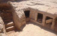 إكتشاف جبانة أثرية تضم مقابر منحوتة في مدينة الإسكندرية شمال مصر