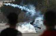اصابة عدد من الفلسطينيين بالاختناق اثر اقتحام الاحتلال قرية عصيرة جنوب نابلس
