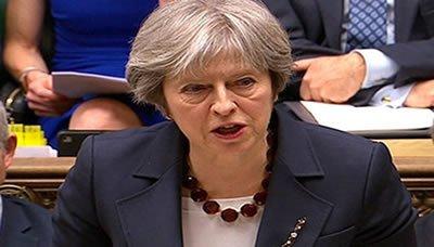 ماي:بريطانيا ستتخذ مواقف صارمة ضد النظام السعودي بسبب عدوانه على اليمن