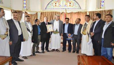 محافظ إب يلتقي ممثل الأكاديمية العالمية للسلام في الشرق الأوسط