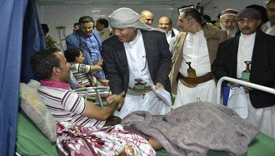محافظ إب يتفقد أحوال الجرحى والمرضى بمستشفى الثورة