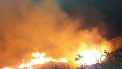 الاحتلال الإسرائيلي يفتعل حريقاً في أراض زراعية في القنيطرة بالجولان السوري
