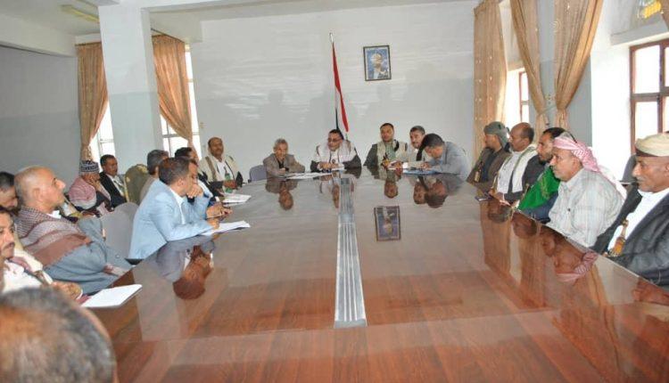 اجتماع لمناقشة التحشيد و التعبئة العامة لرفد الجبهات بمديرية ريف إب .
