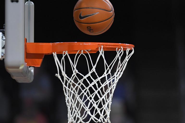 فوز أول لمنتخب إب في بطولة السلة بالملتقى الرمضاني